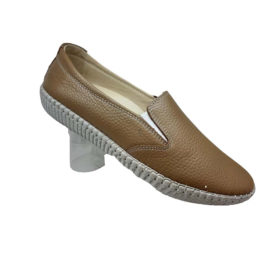 کفش راحتی زنانه چرم طبیعی دست دوز تبریز کد 092