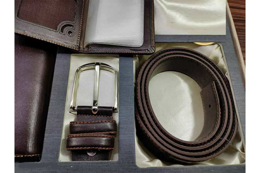 ست هدیه کیف و کمربند 3 تیکه چرم طبیعی مردانه کد 128