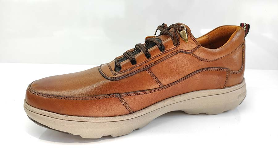 کفش اسپورت مردانه چرم طبیعی  تبریز کد 671