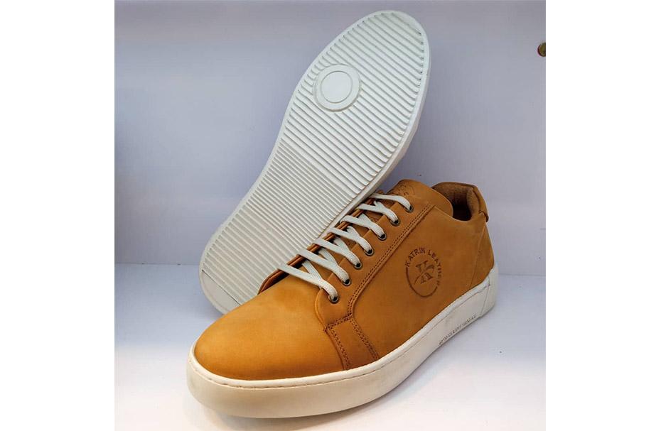 کفش کتونی مردانه تمام چرم طبیعی هورس  تبریز کد 3118